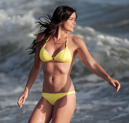 Courtney Robertson Bikini Courtney robertson had a