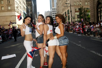 Boricua! Puerto Rican parade rolls up 5th Ave - YouTube