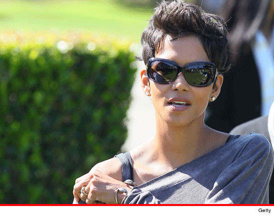 Halle Berry Rushed to Hospital | TMZ.com