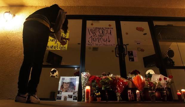 Raw: Jenni Rivera Fans Hold Vigil in Calif. - YouTube