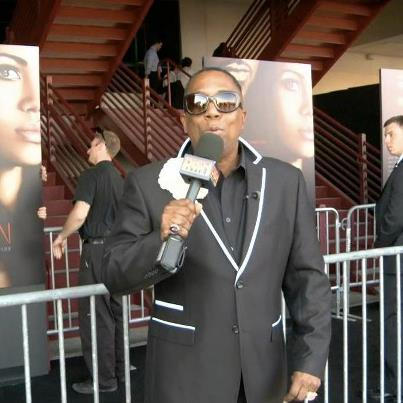 Did Kim K Finally Slap Gary on the Red Carpet? - YouTube