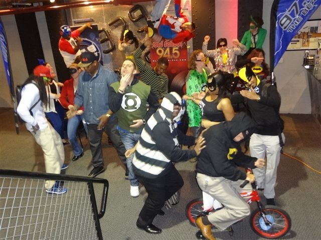 97-9 The Beat's Harlem Shake- THE DALLAS REMIX !!! - YouTube