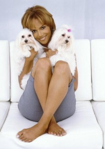 Halle-Berry-sexy-feet-600x851